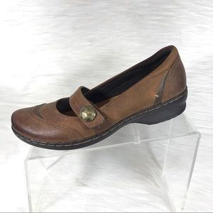 Clarks Artisan Mary Jane Shoes Brown Size 7.5 M